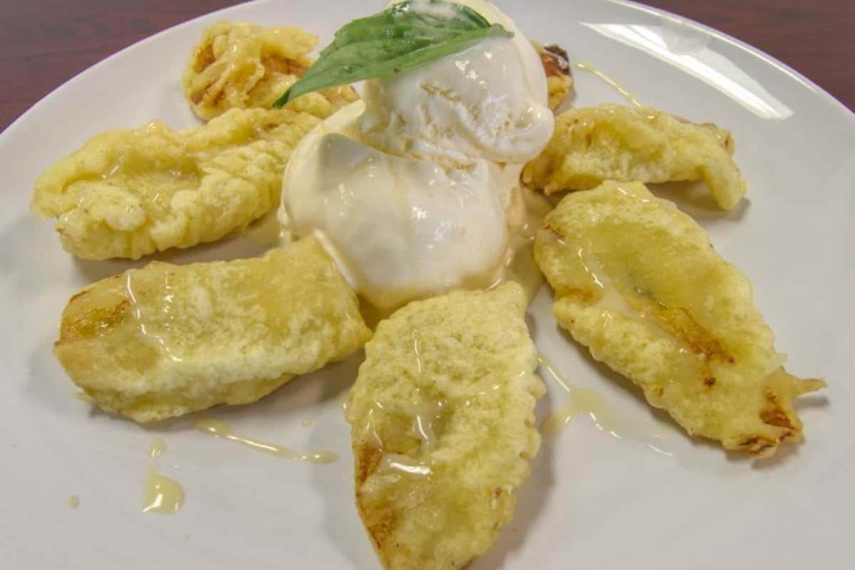 32. Fried Banana w/Vanilla Ice Cream